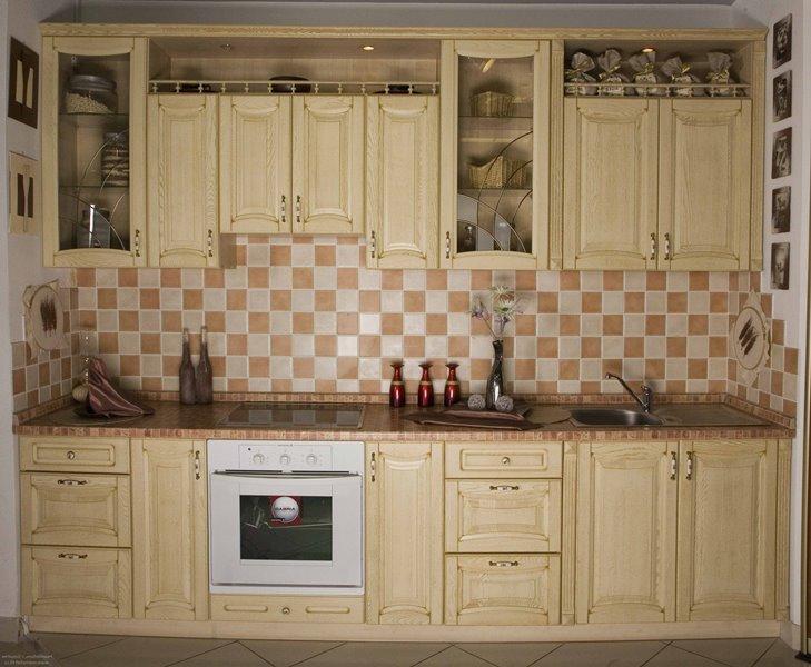 маленькая кухня массив