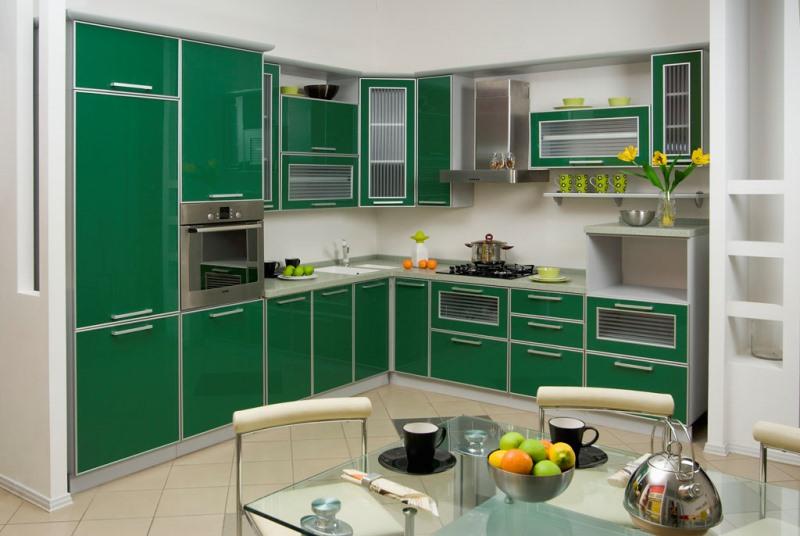 зеленая угловая кухня